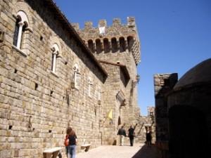 Castello di Amorosaのエントランス付近