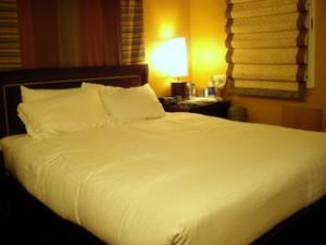 狭かったけど綺麗なHarbor Court Hotel